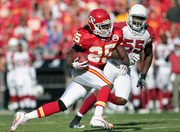 KANSAS CITY, MO - NOVEMBER 21:  Jamaal Charles #25 of the Kansas City Chiefs carries the ball as Joey Porter #55 of the Arizona Cardinals defends during the game against on November 21, 2010  at Arrowhead Stadium in Kansas City, Missouri.  (Photo by Jamie
