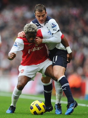 LONDON, ENGLAND - NOVEMBER 20:  Alex Song of Arsenal is challenged by Rafael Van Der Vaart of Tottenham during the Barclays Premier League match between Arsenal and Tottenham Hotspur at the Emirates Stadium on November 20, 2010 in London, England.  (Photo