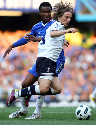 LONDON, ENGLAND - APRIL 30:  Luka Modric of Spurs is challenged by John Obi Mikel of Chelsea during the Barclays Premier League match between Chelsea and Tottenham Hotspur at Stamford Bridge on April 30, 2011 in London, England.  (Photo by Clive Rose/Gett