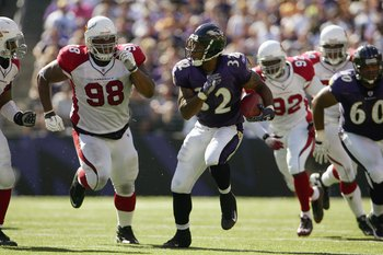 BALTIMORE - SEPTEMBER 23: Musa Smith #32 of the Baltimore Ravens carries the ball during the game against the Arizona Cardinals on September 23, 2007 at M&T Bank Stadium in Baltimore, Maryland. (Photo by Chris McGrath/Getty Images)