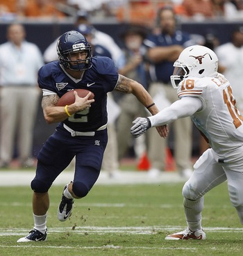 Sam McGuffie and the Rice Owls against Texas Longhorns in 2010