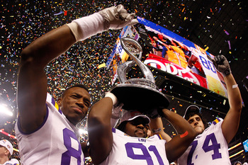 ARLINGTON, TX - JANUARY 07:  Members of the Louisiana State University Tigers celebrate after defeating the Texas A&M Aggies 41-24 during the AT&T Cotton Bowl at Cowboys Stadium on January 7, 2011 in Arlington, Texas.  (Photo by Chris Graythen/Getty Image