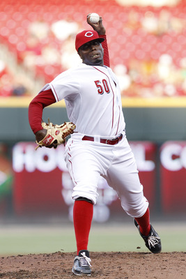 CINCINNATI, OH - JULY 29: Dontrelle Willis #50 of the Cincinnati Reds pitches against the San Francisco Giants at Great American Ball Park on July 29, 2011 in Cincinnati, Ohio. (Photo by Joe Robbins/Getty Images)