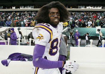 PHILADELPHIA - JANUARY 16:  Wide receiver Randy Moss #84 of the Minnesota Vikings walks walks off the field after his team's loss to the Philadelphia Eagles in an NFC divisional playoff game at Lincoln Financial Field on January 16, 2005 in Philadelphia,