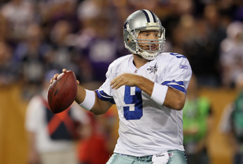MINNEAPOLIS - OCTOBER 17:  Quarterback Tony Romo #9 of the Dallas Cowboys drops back to pass in the first quarter against the Minnesota Vikings at Mall of America Field on October 17, 2010 in Minneapolis, Minnesota.  (Photo by Jeff Gross/Getty Images)