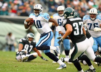 PHILADELPHIA - NOVEMBER 19: Vince Young #10 of the Tennessee Titans runs with the ball during the game against the Philadelphia Eagles on November 19, 2006 at Lincoln Financial Field in Philadelphia, Pennsylvania. The Titans defeated the Eagles 31-13. (Ph
