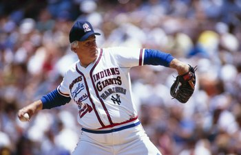 1989:  Gaylord Perry pitches in an Old Timers Game in 1989. (Photo by Stephen Dunn/Getty Images)