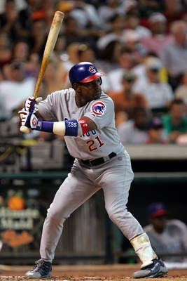 HOUSTON - AUGUST 22:  Sammy Sosa #21 of the Chicago Cubs bats against the Houston Astros on August 22, 2004 at Minute Maid Park in Houston, Texas.    (Photo by Ronald Martinez/Getty Images)