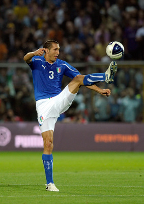 MODENA, ITALY - JUNE 03:  Giorgio Chiellini of Italy during the UEFA EURO 2012 Group C qualifying match between Italy and Estonia on June 3, 2011 in Modena, Italy.  (Photo by Claudio Villa/Getty Images)
