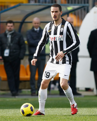 LECCE, ITALY - FEBRUARY 20:  Leonardo Bonucci of Juventus during the Serie A match between Lecce and Juventus FC at Stadio Via del Mare on February 20, 2011 in Lecce, Italy.  (Photo by Maurizio Lagana/Getty Images)
