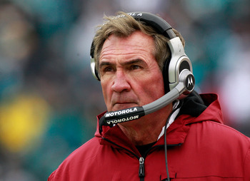 JACKSONVILLE, FL - DECEMBER 26:  Head coach Mike Shanahan of the Washington Redskins watches the action during the game against the Jacksonville Jaguars at EverBank Field on December 26, 2010 in Jacksonville, Florida.  (Photo by Sam Greenwood/Getty Images