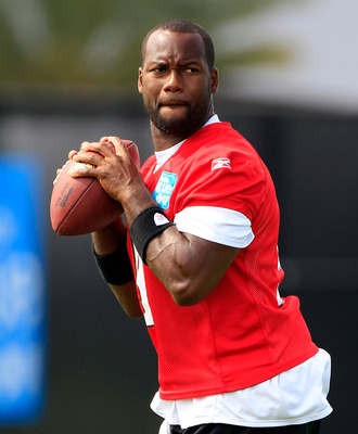 JACKSONVILLE, FL - JULY 28:  Quarterback David Garrard #9 of the Jacksonville Jaguars takes part intraining camp at Florida Blue Health and Wellness practice fields on July 28, 2011 in Jacksonville, Florida.  (Photo by Sam Greenwood/Getty Images)