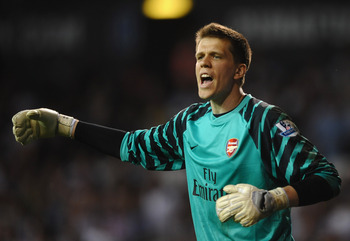 LONDON, ENGLAND - APRIL 20:  Wojciech Szczesny of Arsenal in action during the Barclays Premier League match between Tottenham Hotspur and Arsenal at White Hart Lane on April 20, 2011 in London, England.  (Photo by Laurence Griffiths/Getty Images)