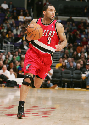 LOS ANGELES - JANUARY 29:  Damon Stoudamire #3 of the Portland Trail Blazers moves the ball during the game with the Los Angeles Lakers on February 2, 2005 at the Staples Center in Los Angeles, California. The Lakers won 92-79  NOTE TO USER: User expressl