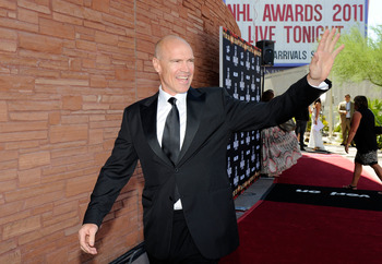 LAS VEGAS, NV - JUNE 22:  Former NHL player Mark Messier arrives at the 2011 NHL Awards at the Palms Casino Resort June 22, 2011 in Las Vegas, Nevada.  (Photo by Ethan Miller/Getty Images)