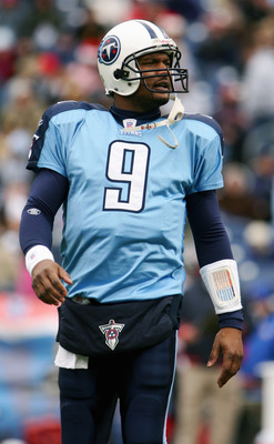 NASHVILLE, TN - DECEMBER 11:  Steve McNair #9 of the Tennessee Titans stands on the field during the game with the Houston Texans on December 11, 2005 at the Coliseum in Nashville, Tennessee. The Titans won 13-10. (Photo by Scott Halleran/Getty Images)