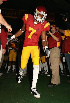 LOS ANGELES, CA - NOVEMBER 29:  Senior Vidal Hazelton #7 of the USC Trojans is introduced before his final home game at Los Angeles Memorial Coliseum against the Notre Dame Fighting Irish on November 29, 2008 in Los Angeles, California. The Trojans defeat