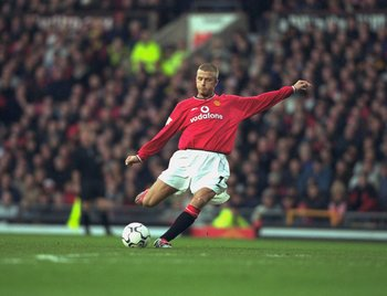 2 Dec 2000:  David Beckham of Manchester United takes a free-kick during the FA Carling Premiership match against Tottenham Hotspur played at Old Trafford, in Manchester, England. Manchester United won the match 2-0. \ Mandatory Credit: Phil Cole /Allspor