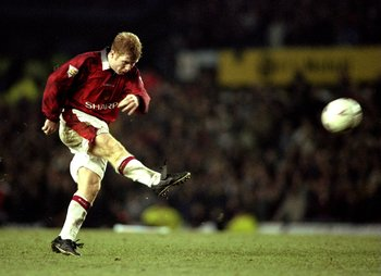 1998:  Paul Scholes in action during an FA Carling Premiership match. \ Mandatory Credit: Allsport UK /Allsport
