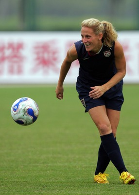 CHENGDU, CHINA - SEPTEMBER 10:  Forward Kristine Lilly of the U.S. Women's National Team during a training session for the FIFA Women's World Cup at Chengdu University of Information Technology on September 10, 2007 in Chengdu, China.  (Photo by Ronald Ma