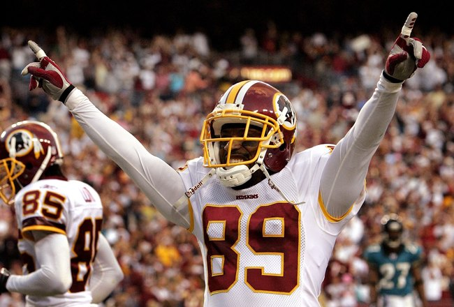 LANDOVER, MD - OCTOBER 01:  Washington Redskins wide receiver Santana Moss #89 celebrates after scoring a touchdown in fourth quarter action against the Jacksonville Jaguars October 1, 2006 at FedEx Field in Landover, Maryland.  (Photo by Win McNamee/Gett