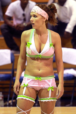 The_lingerie_basketball_league_2_display_image