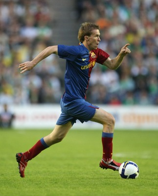 EDINBURGH, UNITED KINGDOM - JULY 24:  Alexander Hleb of Barcelona in action during the pre-season friendly between Hibernian and Barcelona at Murrayfield on July 24, 2008 in Edinburgh, Scotland.  (Photo by Gary M. Prior/Getty Images)