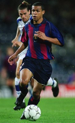 22 Sep 2001:  Geovanni of Barcelona runs with the ball during the Spanish Primera Liga match against Tenerife played at the Nou Camp, in Barcelona, Spain. Barcelona won the match 2-0. \ Picture taken by Nuno Correia \ Mandatory Credit: AllsportUK  /Allspo
