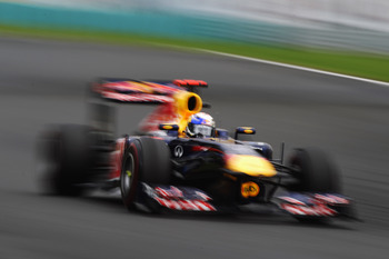 BUDAPEST, HUNGARY - JULY 31:  Sebastian Vettel of Germany and Red Bull Racing drives during the Hungarian Formula One Grand Prix at the Hungaroring on July 31, 2011 in Budapest, Hungary.  (Photo by Mark Thompson/Getty Images)