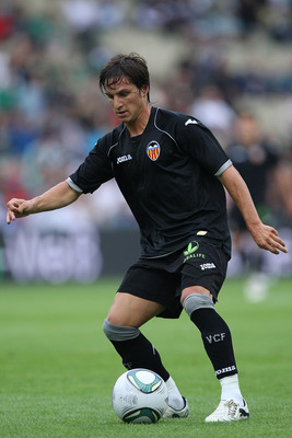 VIENNA, AUSTRIA - JULY 26: Pablo Piatti of Valencia CF in action during the preseason friendly match between SK Rapid Wien and Valencia CF at Gerhard Hanappi Stadion on July 26, 2011 in Vienna, Austria.  (Photo by Paolo Bruno/Getty Images)