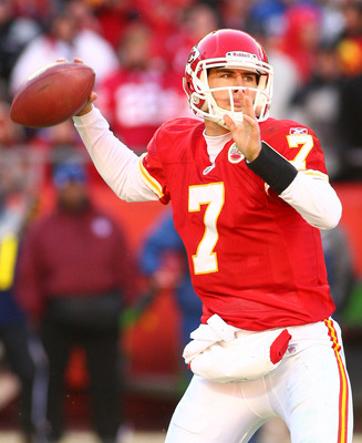 KANSAS CITY, MO - JANUARY 02:  Quarterback Matt Cassel #7 of the Kansas City Chiefs throws a pass in a game against the Oakland Raiders at Arrowhead Stadium on January 2, 2011 in Kansas City, Missouri.  The Raiders won 31-10 (Photo by Tim Umphrey/Getty Im