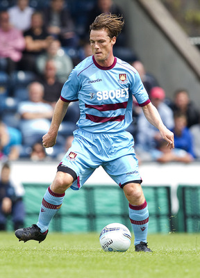 WYCOMBE, ENGLAND - JULY 23: Scott Parker of West Ham in action during the Pre Season Friendly match betwen Wycombe Wanderers and West Ham United at Adams Parks on July 23, 2011 in Wycombe, England.  (Photo by Ben Hoskins/Getty Images)