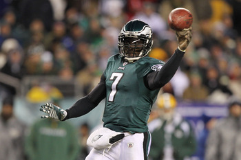 PHILADELPHIA, PA - JANUARY 09:  Michael Vick #7 of the Philadelphia Eagles passes against the Green Bay Packers during the 2011 NFC wild card playoff game at Lincoln Financial Field on January 9, 2011 in Philadelphia, Pennsylvania.  (Photo by Al Bello/Get