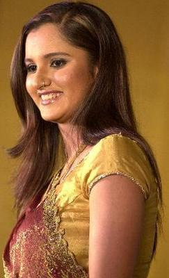 Tennis_sania_mirza_in_saree_10_display_image
