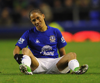 LIVERPOOL, ENGLAND - NOVEMBER 10: Steven Pienaar of Everton looks dejected during the Barclays Premier League match between Everton and Bolton Wanderers at Goodison Park on November 10, 2010 in Liverpool, England.  (Photo by Michael Regan/Getty Images)