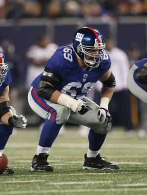 EAST RUTHERFORD, NJ - NOVEMBER 8:  Rich Seubert #69 of the New York Giants against the San Diego Chargers at Giants Stadium on November 8, 2009 in East Rutherford, New Jersey. The Chargers defeated the Giants 21-20.  (Photo by Nick Laham/Getty Images)