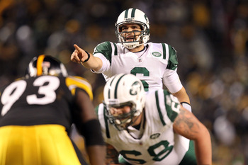 PITTSBURGH, PA - JANUARY 23:  Mark Sanchez #6 of the New York Jets calls a play against the Pittsburgh Steelers during the 2011 AFC Championship game at Heinz Field on January 23, 2011 in Pittsburgh, Pennsylvania.  (Photo by Ronald Martinez/Getty Images)