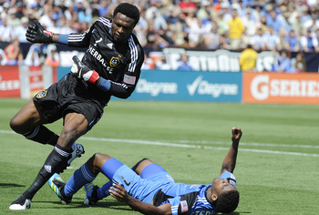 LA Galaxy Goalie Donovan Ricketts is a FREAK and could play the hybrid DE/LB in a 3-4.