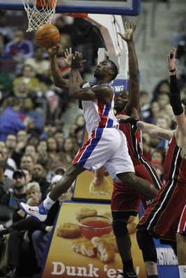 AUBURN HILLS, MI - FEBRUARY 11:  Ben Gordon #7 of the Detroit Pistons looks to pass around Mike Miller #13 of the Miami Heat at The Palace of Auburn Hills on February 11, 2011 in Auburn Hills, Michigan. Miami won the game 106-92.  (Photo by Gregory Shamus