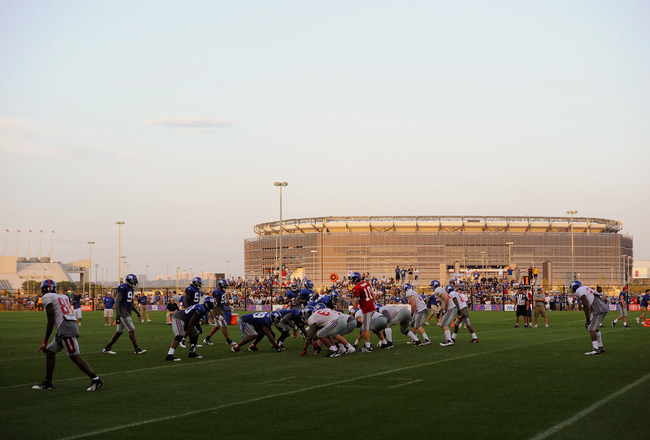 EAST RUTHERFORD, NJ - AUGUST 08:  Members of the New York Giants take part in practice at New Meadowlands Sports Complex on August 8, 2011 in East Rutherford, New Jersey.  (Photo by Patrick McDermott/Getty Images)