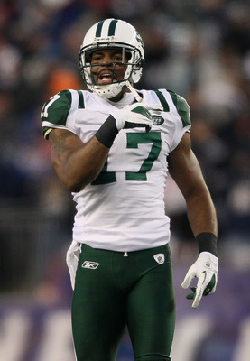 FOXBORO, MA - JANUARY 16:  Wide receiver Braylon Edwards #17 of the New York Jets reacts to a call during their 2011 AFC divisional playoff game against the New England Patriots at Gillette Stadium on January 16, 2011 in Foxboro, Massachusetts.  (Photo by