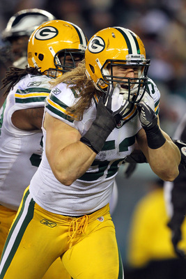 PHILADELPHIA, PA - JANUARY 09:  Clay Matthews #52 of the Green Bay Packers celebrates after a sack against the Michael Vick #7 of the Philadelphia Eagles during the 2011 NFC wild card playoff game at Lincoln Financial Field on January 9, 2011 in Philadelp