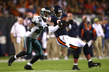 CHICAGO - SEPTEMBER 28:  Brandon Lloyd #80 of the Chicago Bears makes a reception against Lito Sheppard #26 of the Philadelphia Eagles at Soldier Field on September 28, 2008 in Chicago, Illinois.  (Photo by Jeff Gross/Getty Images)