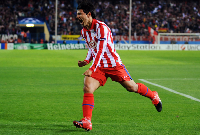 MADRID, SPAIN - NOVEMBER 03:  Sergio Aguero of Atletico Madrid celebrates after he scores the first goal of the game during Champions League Group D match between Atletico Madrid and Chelsea at the Vicente Calderon Stadium on November 3, 2009 in Madrid, S
