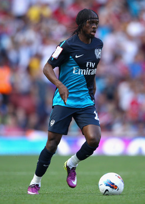 LONDON, ENGLAND - JULY 30:  Gervinho of Arsenal with the ball during the Emirates Cup match between Arsenal and Boca Juniors at the Emirates Stadium on July 30, 2011 in London, England.  (Photo by Richard Heathcote/Getty Images)