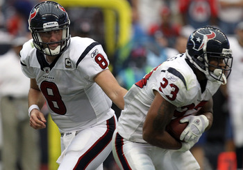 HOUSTON - SEPTEMBER 12:  Quarterback Matt Schaub #8 of the Houston Texans hands the ball to Arian Foster #23 at Reliant Stadium on September 12, 2010 in Houston, Texas.  (Photo by Ronald Martinez/Getty Images)