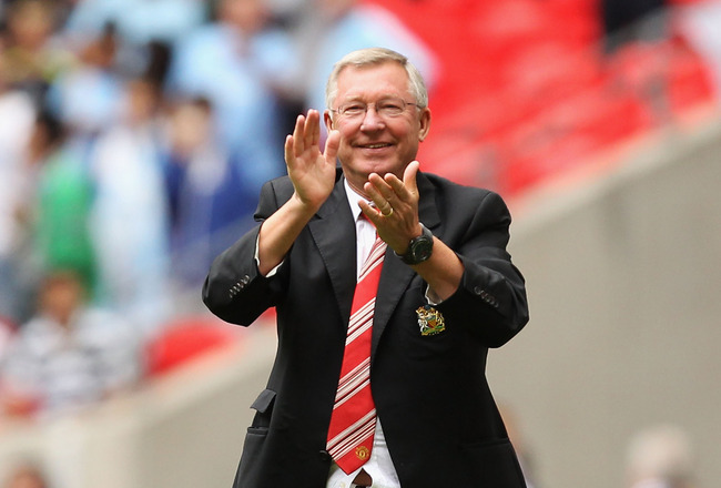 LONDON, ENGLAND - AUGUST 07:  Manchester United manager Sir Alex Ferguson applauds his team after victory in the FA Community Shield match sponsored by McDonald's between Manchester City and Manchester United at Wembley Stadium on August 7, 2011 in London