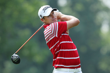 AKRON, OH - AUGUST 07:  Nick Watney hits his tee shot on the third hole during the final round of the World Golf Championships-Bridgestone Invitational on the South Course at Firestone Country Club on August 7, 2011 in Akron, Ohio.  (Photo by Andy Lyons/G