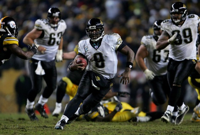 PITTSBURGH - JANUARY 05:  David Garrard #9 of the Jacksonville Jaguars runs for a 32-yard gain against the Pittsburgh Steelers to set up the game-winning field goal during the fourth quarter of the AFC Wild Card game on January 5, 2008 at Heinz Field in P
