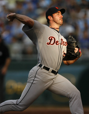 KANSAS CITY, MO - AUGUST 06: Starting pithcer Justin Verlander #35 of the Detroit Tigers throws in the third inning against the Kansas City Royals at Kauffman Stadium on August 6, 2011 in Kansas City, Missouri.  (Photo by Ed Zurga/Getty Images)